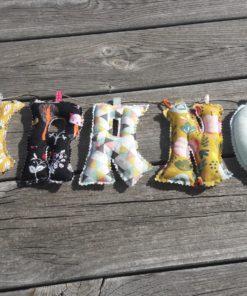 guirlande prénom avec lettres en tissu Garance