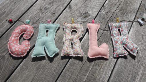 guirlande prénom avec lettres en tissu Carla