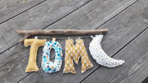 guirlande prénom avec lettres en tissu Tom
