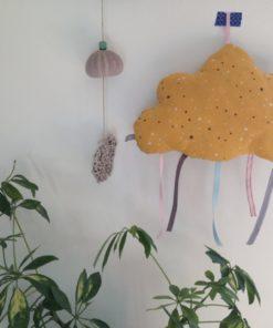 Découvrez nos coussins nuage en tissu à suspendre pour embellir votre décoration intérieure