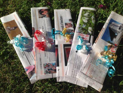 Emballage cadeau avec du papier recyclé de magazine