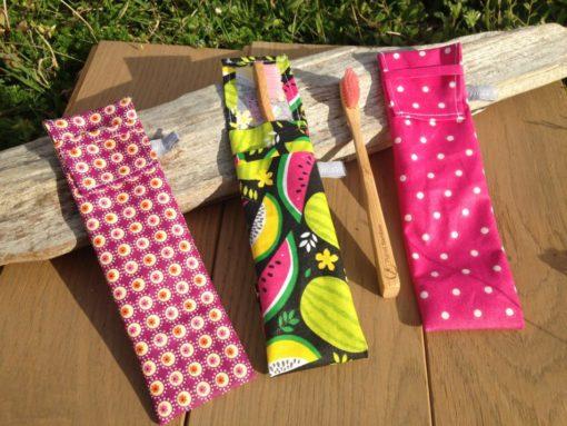 Pochette pour brosse à dent en tissu enduit imperméable, pratique pour vos vacances, en camping