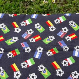 tissu drapeaux et ballon de foot
