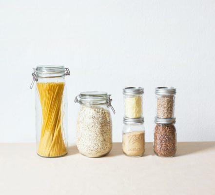 des bocaux pour rangement aliments en vrac pour cuisine zéro déchet