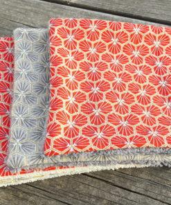 lingettes nettoyantes couleurs corail et gris