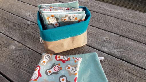 panier de rangement avec lingettes carrés pour nettoyer vos enfants et bébés