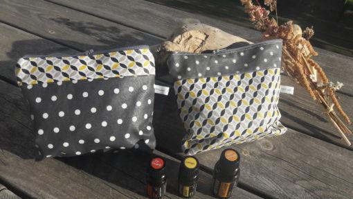 pochette en coton enduit pour ranger des huiles essentielles
